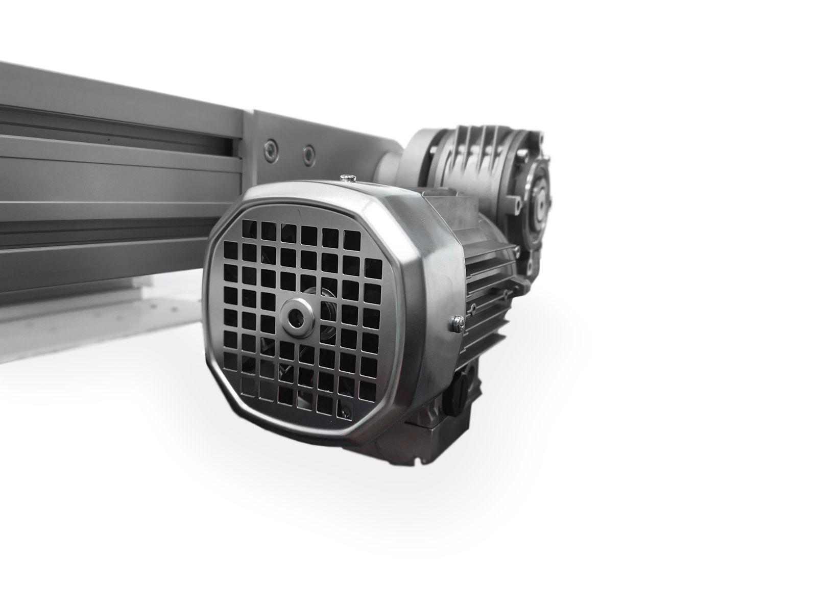 In base alle prestazioni richieste possiamo proporre diversi tipi di motori e riduttori