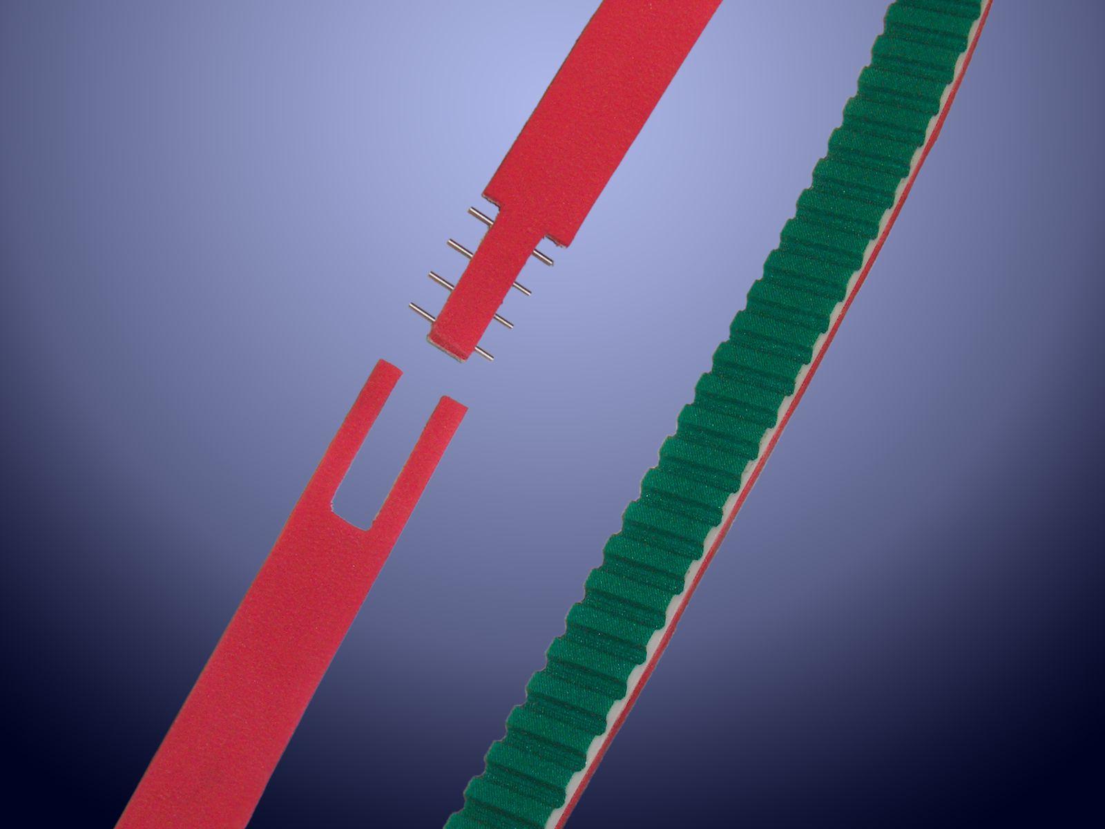 Cinghia dentata AT10 con rivestimento Linatex e giunzione meccanica a spine