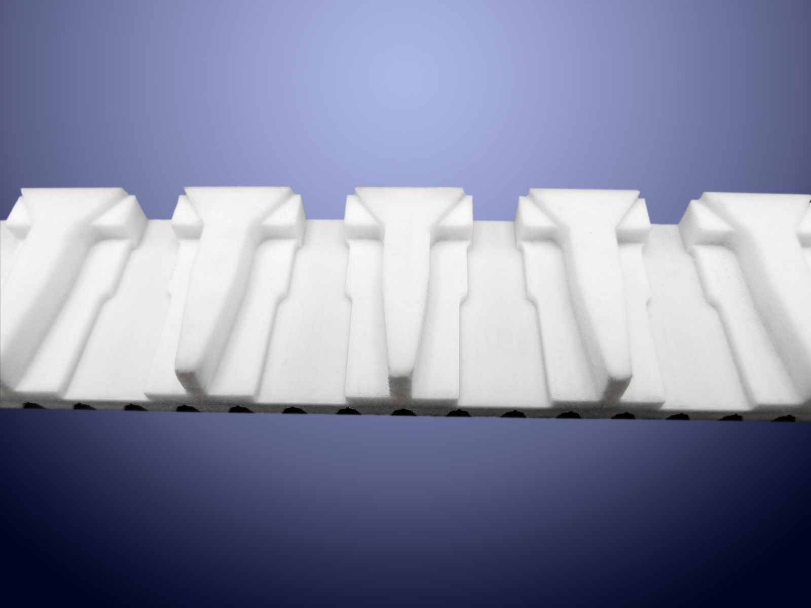 Lavorazioni sagomate su PU 92 sh. per trasporto di monodose nel settore farmaceutico