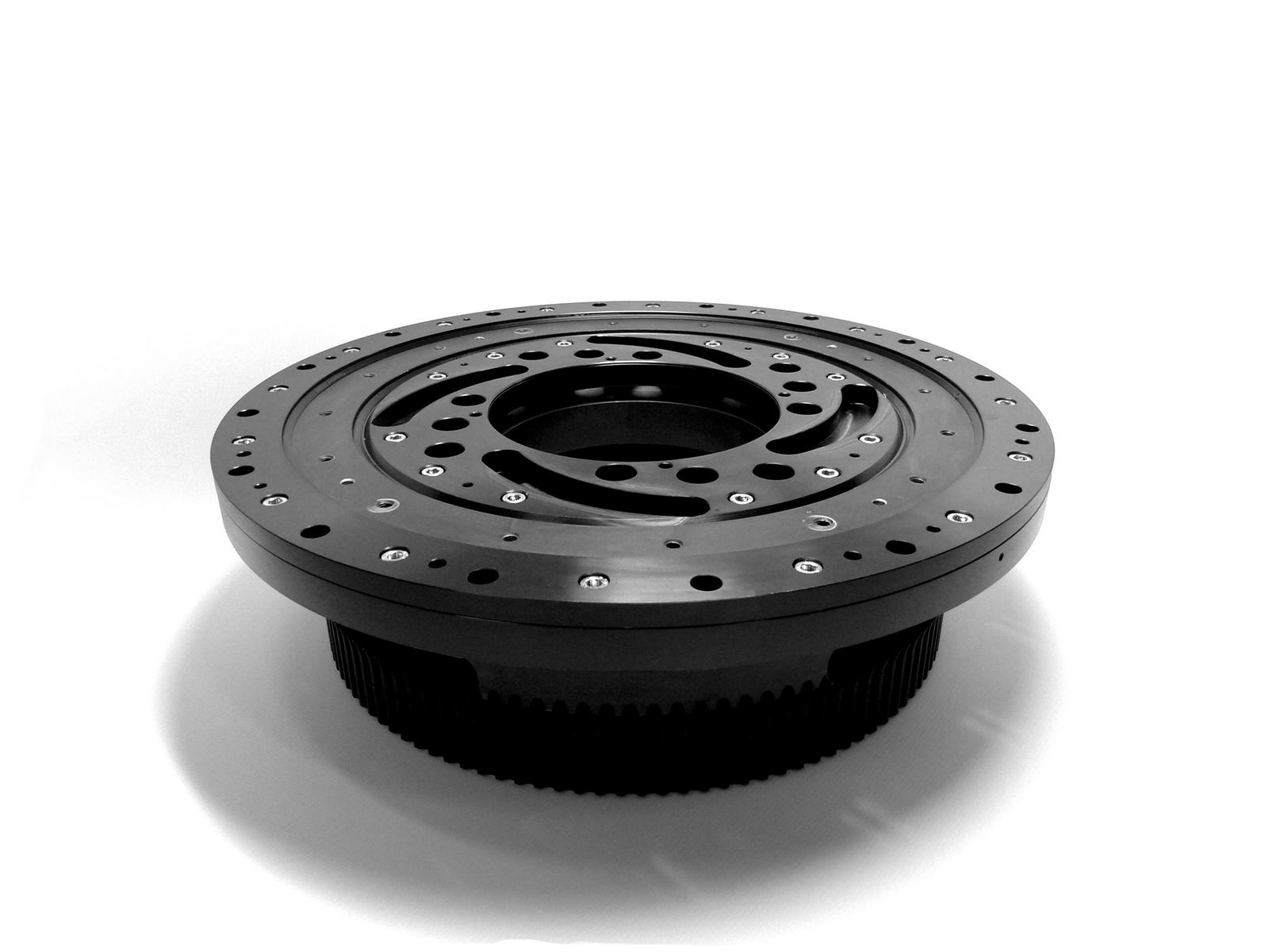 Mandrino utilizzato su macchine per il taglio tubo con laser dove le parti rotanti sono in alluminio e quelle fisse in acciaio C45