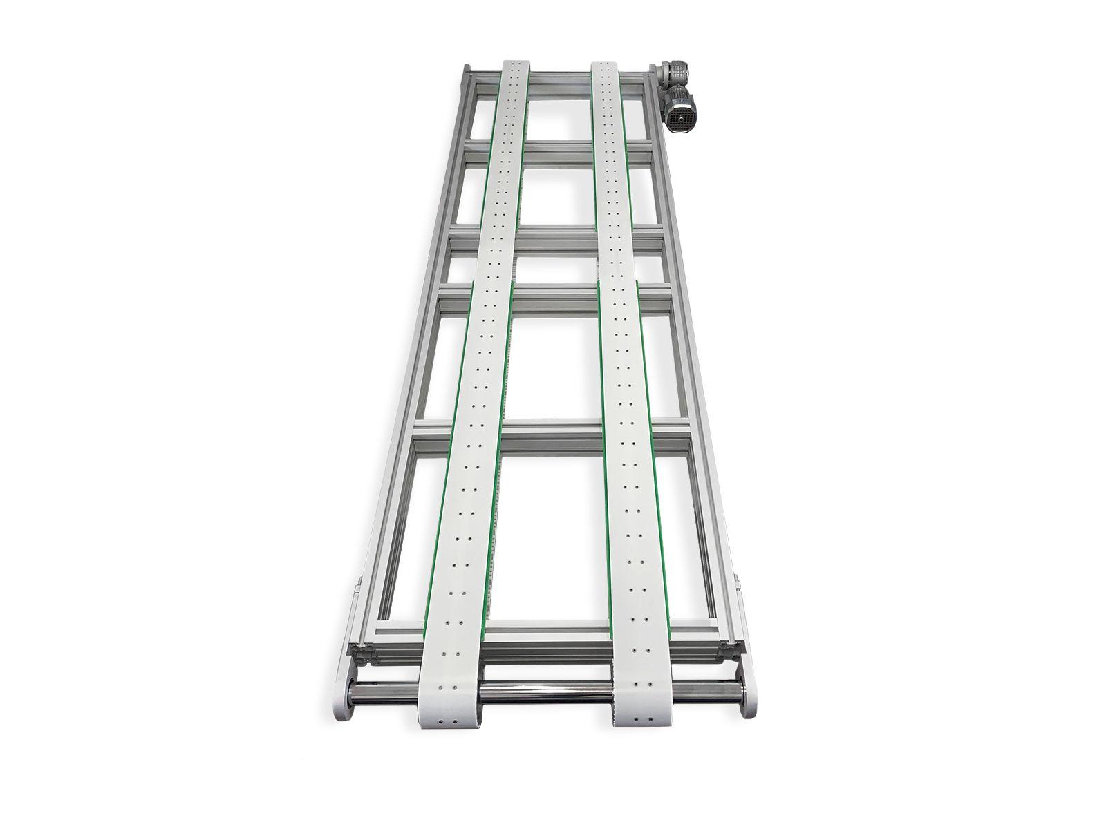 La struttura creata con profili in alluminio 45 x 90 mm rende il sistema leggero ma molto robusto